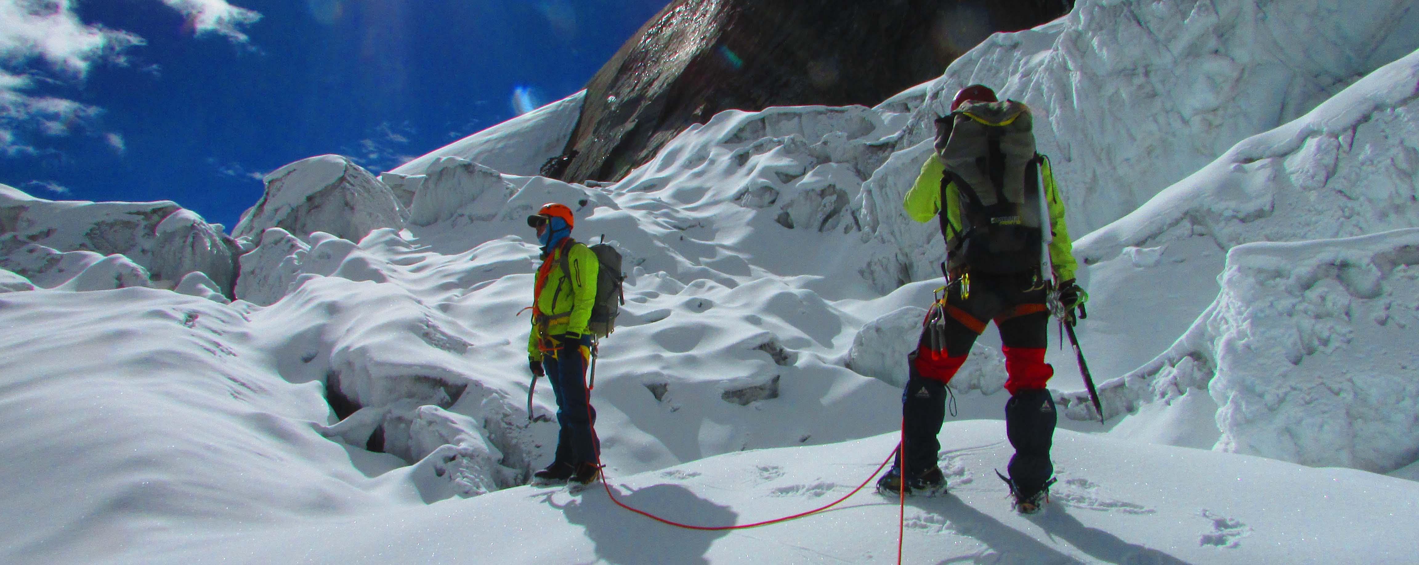 tobsar-peak-climbing.jpg