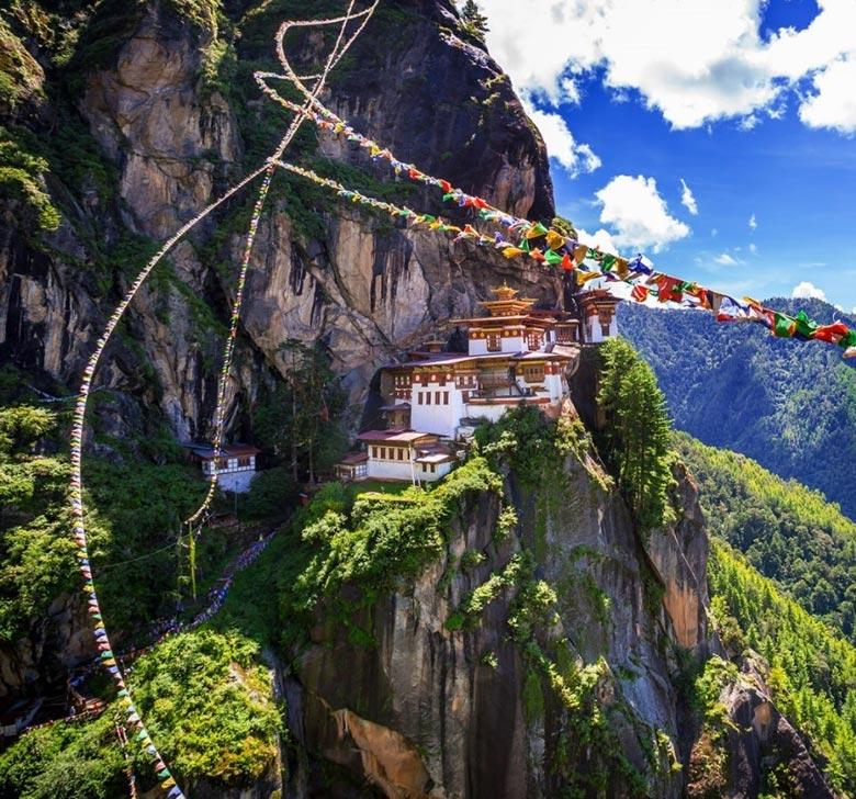 sightseeing-in-paro-bhutan.jpg
