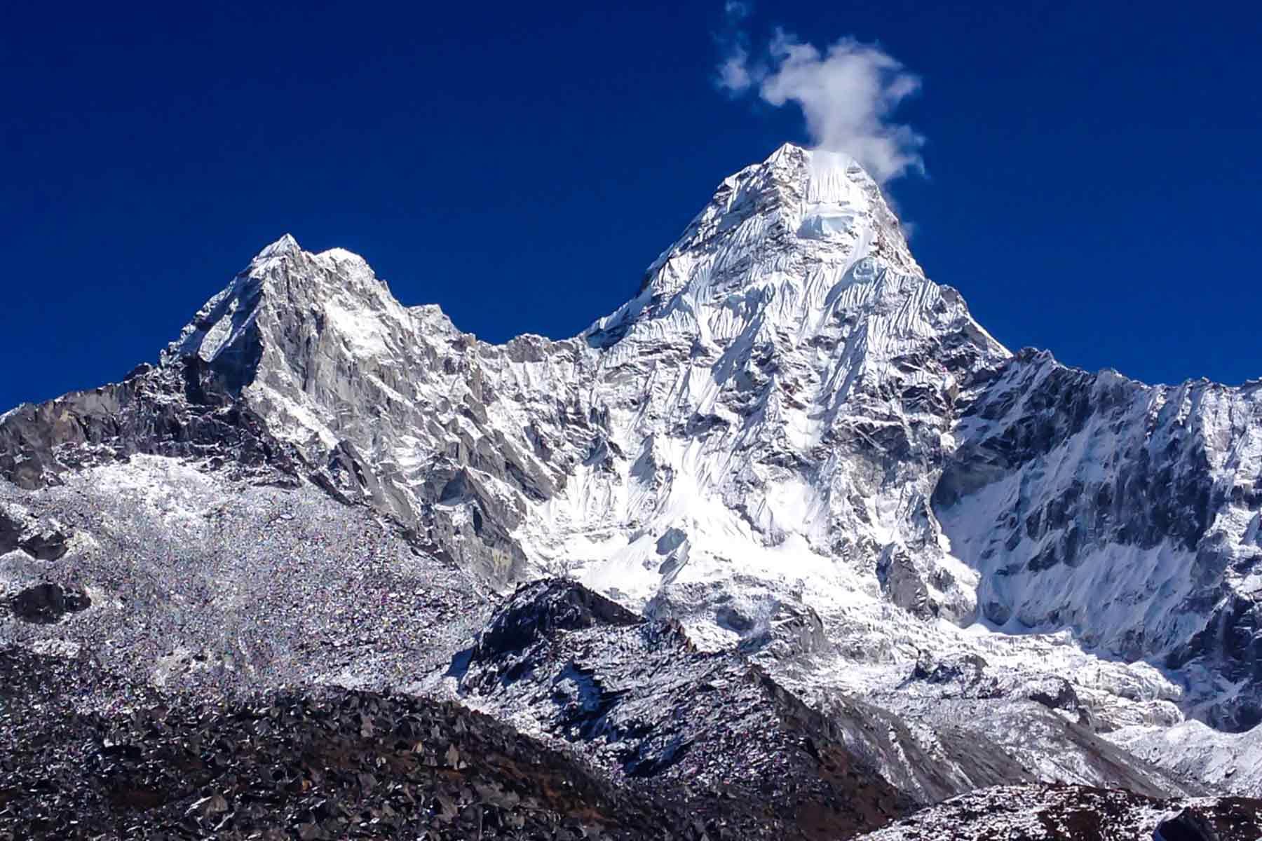 amadablam-base-camp-trek-1800x1200.jpg