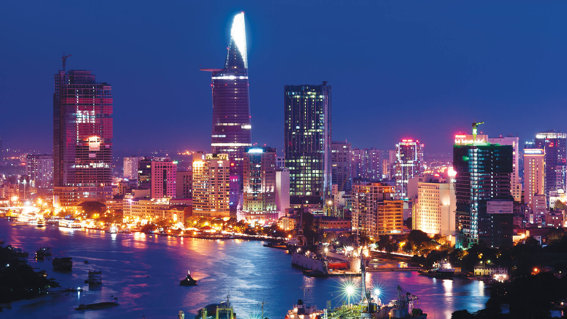 Amazing Vietnam Tour Package - 3 Nights 4 Days