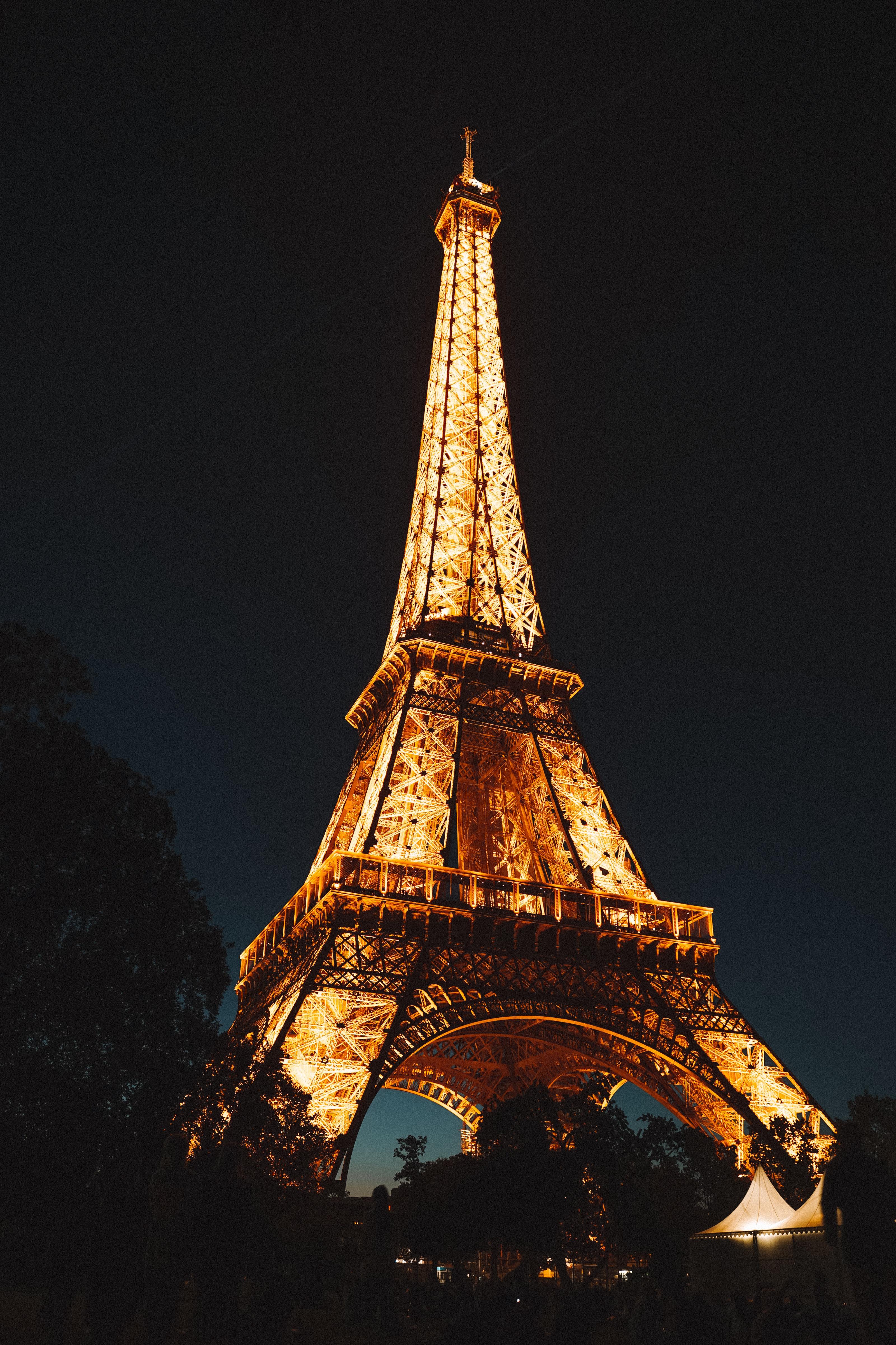 Paris (CDG)